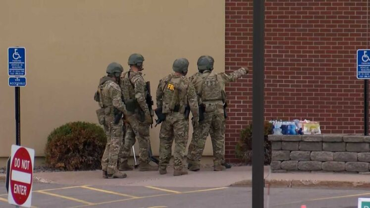 4 freed as Wells Fargo bank robbery standoff in Minnesota continues