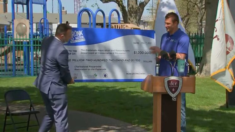 He's back in Boston! Gronk returns to donate money for great cause