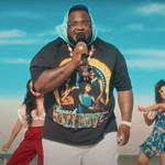 Sech Hits the Beach For 'Sal y Perrea' Performance on 'Tonight Show': Watch