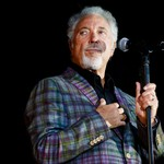 Tom Jones Lands Record-Setting U.K. No. 1 With 'Surrounded By Time'