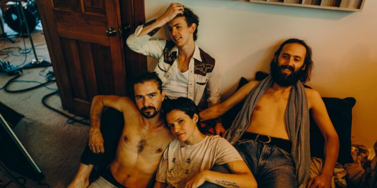 """Big Thief Share New Songs """"Little Things"""" and """"Sparrow"""": Listen"""