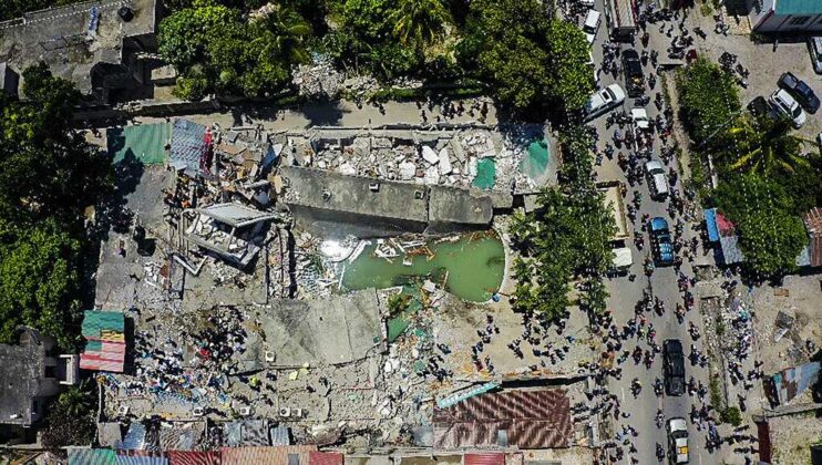Death toll of powerful earthquake in Haiti soars to 1,297 as injured await help