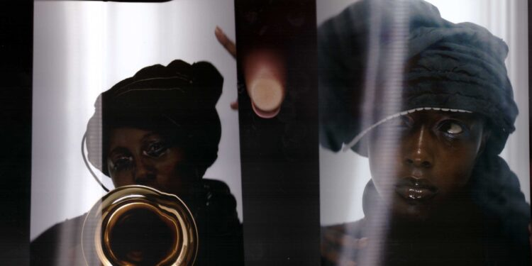 """Klein Announces New Album Harmattan, Shares Video for New Song """"Hope Dealers"""": Watch"""