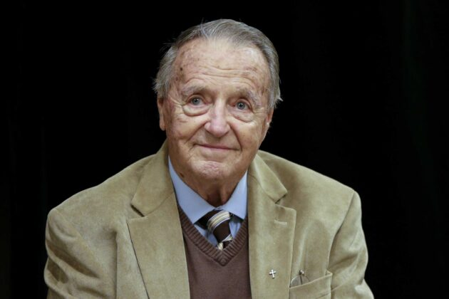 Legendary college football coach Bobby Bowden dies at 91