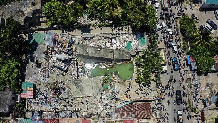 More than 300 killed after 7.2 magnitude earthquake rocks Haiti