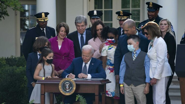 President Biden signs bill awarding medals to Capitol officers who responded to insurrection