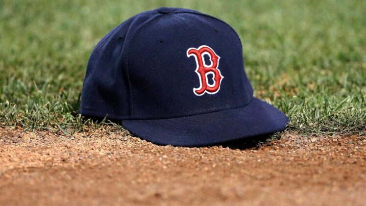 Red Sox blow 4-run lead in late innings, fall to Blue Jays
