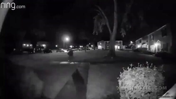 Ring Camera Catches Home Invasion Robbery Of Woman In Illinois!! (Disturbing)