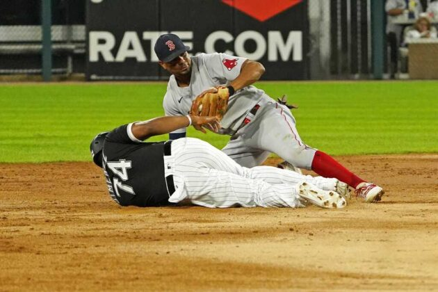 Red Sox late-innings comeback falls short against White Sox