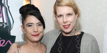 "Le Tigre's Kathleen Hanna and Johanna Fateman Sue Over ""Deceptacon"" Copyright Infringement Accusation"