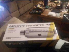 Oops! Man selling catalytic converter online left bag of meth on coffee table in photo, authorities say