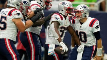 Patriots rally to defeat Texans on late field goal
