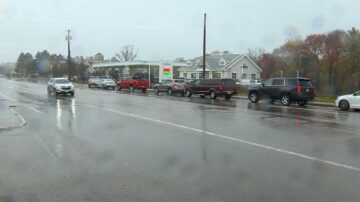 Police shut down local gas station after long lines develop during outage