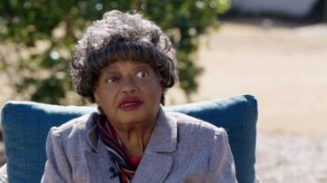 She was arrested in 1955 for refusing to give up her bus seat. She's fighting to get her record expunged