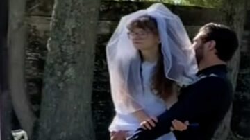 VIDEO: Groom carries sister-in-law down the aisle at his wedding